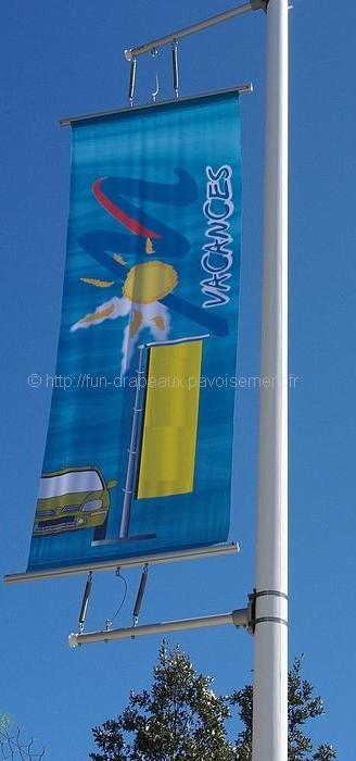 drapeau publicitaire - potences pour mâts : fixation temporaire et amovible de bannières publicitaires ou informatives