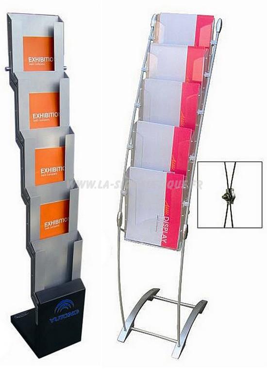 porte brochure - deux modèles, l'un déplliable avec casier, l'autre incurvé avec berceaux